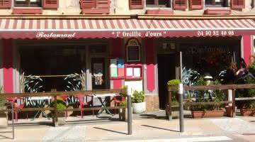 Façade du restaurant traditionel en centre ville de Faverges