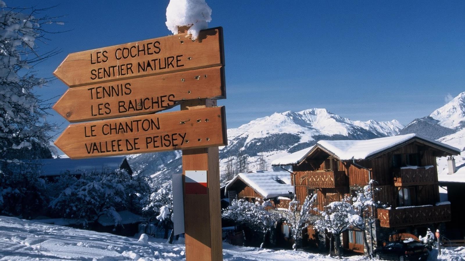 Panneau indicateur vers Les Coches - Sentier Nature