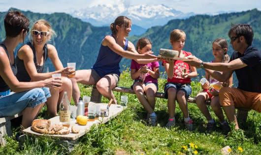 Pique nique à l'alpage de la Bouchasse