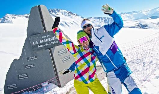 skieurs au Col de la Madeleine