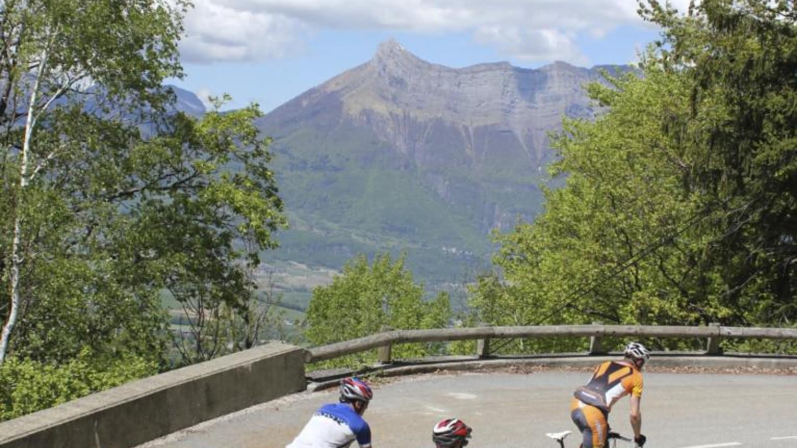Cyclistes au col de Champlaurent
