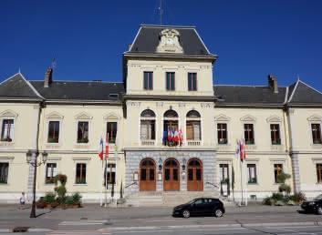 Hôtel de ville vu de l'Esplanade
