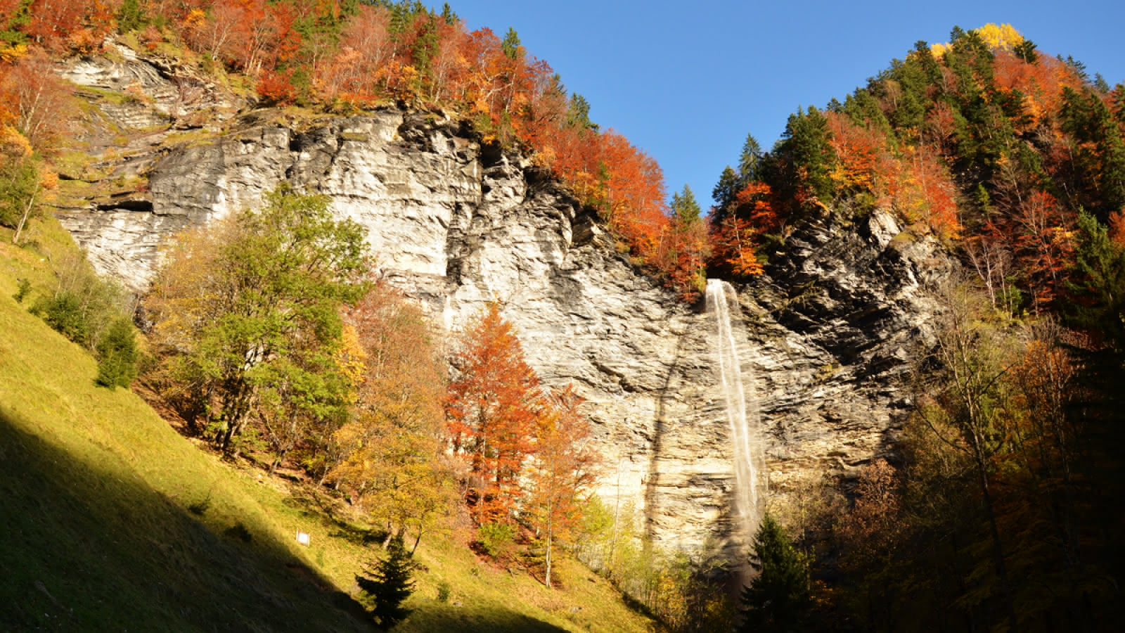 Cascade du Dard - La Giettaz - Automne