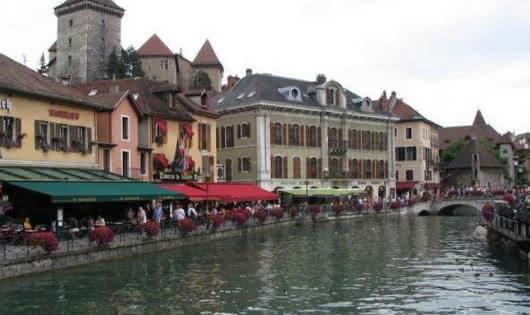 Annecy Veille Ville