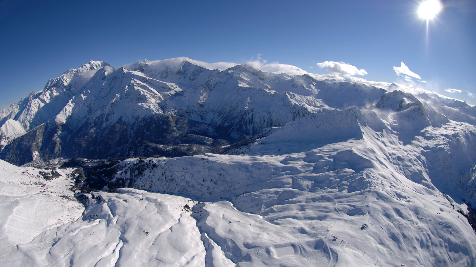 Le domaine skiable des Contamines vu du ciel