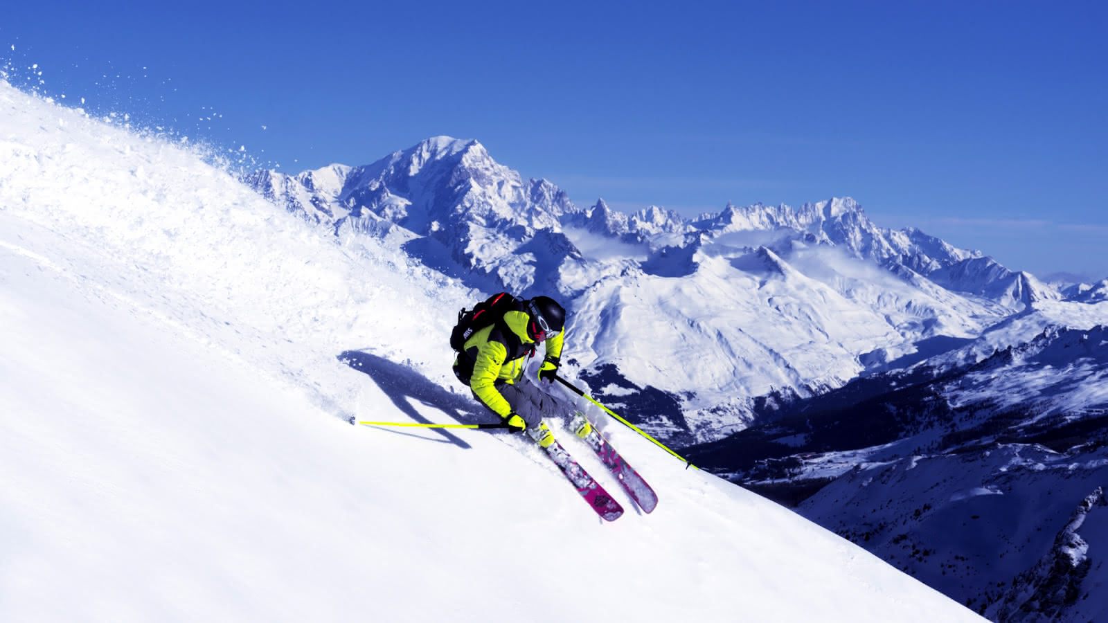 Descente avec vue sur le Mont Blanc en arrière plan