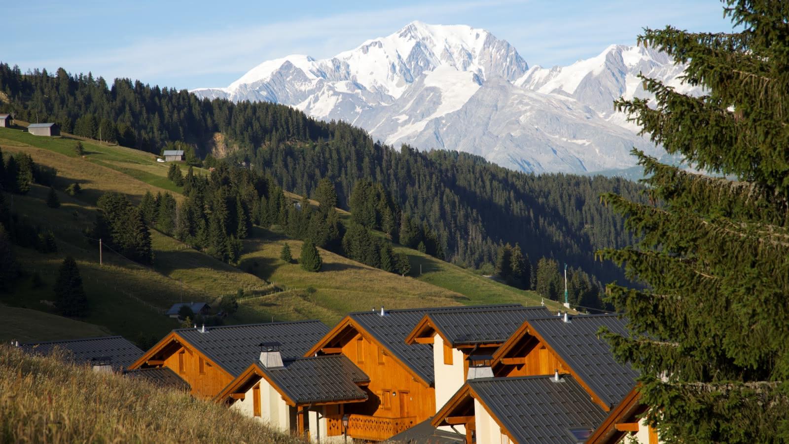 Le hameau de Bisanne 1500 sur la commune de Villard sur Doron