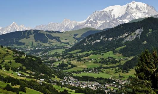 Le village et le Mont Blanc