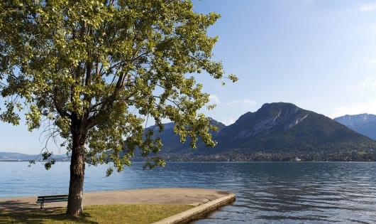 Le lac d'Annecy, lieu de détente