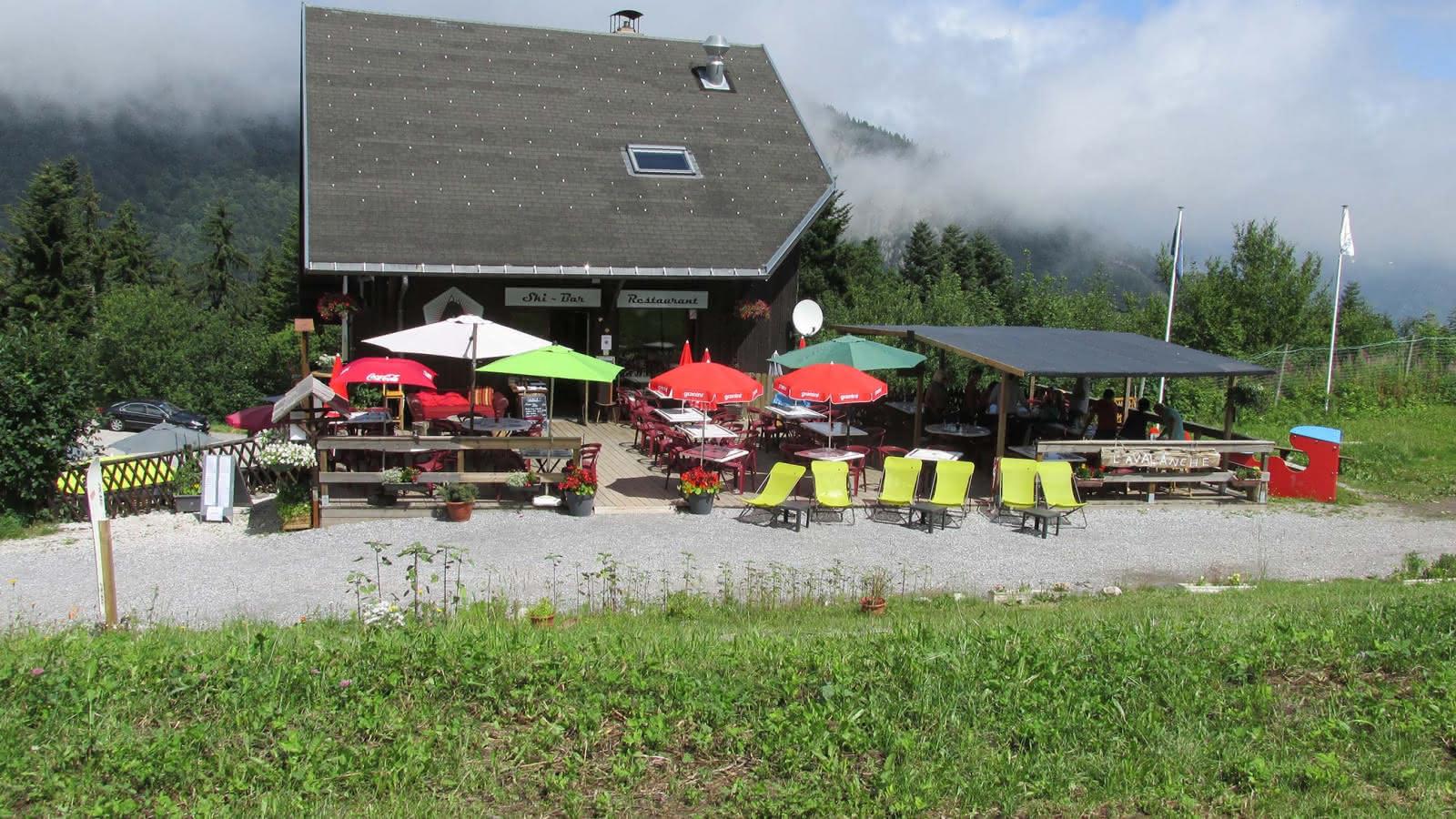 Restaurant au bas des pistes de la station de la Sambuy