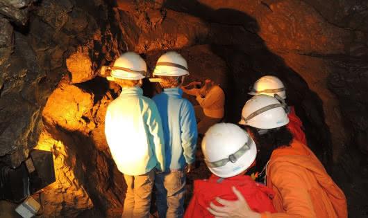 Visite pédagogique St Georges Site minier des Hurtières Galerie St Louis.jpg