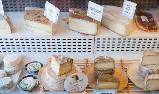 Reblochon, Beaufort AOP, tomme de Savoie and other cheeses