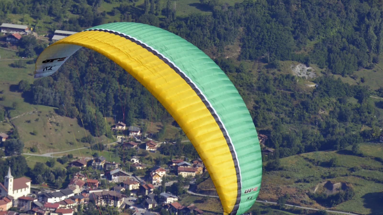 Paragliding in the valley of La Plagne