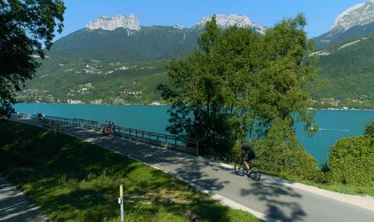 Voie verte du tour du lac d'Annecy à Doussard