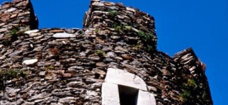 Tour du château de Chantemerle à La Bâthie