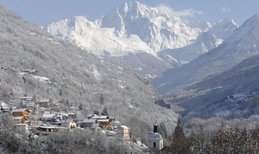 Vue Brides-les-Bains hiver
