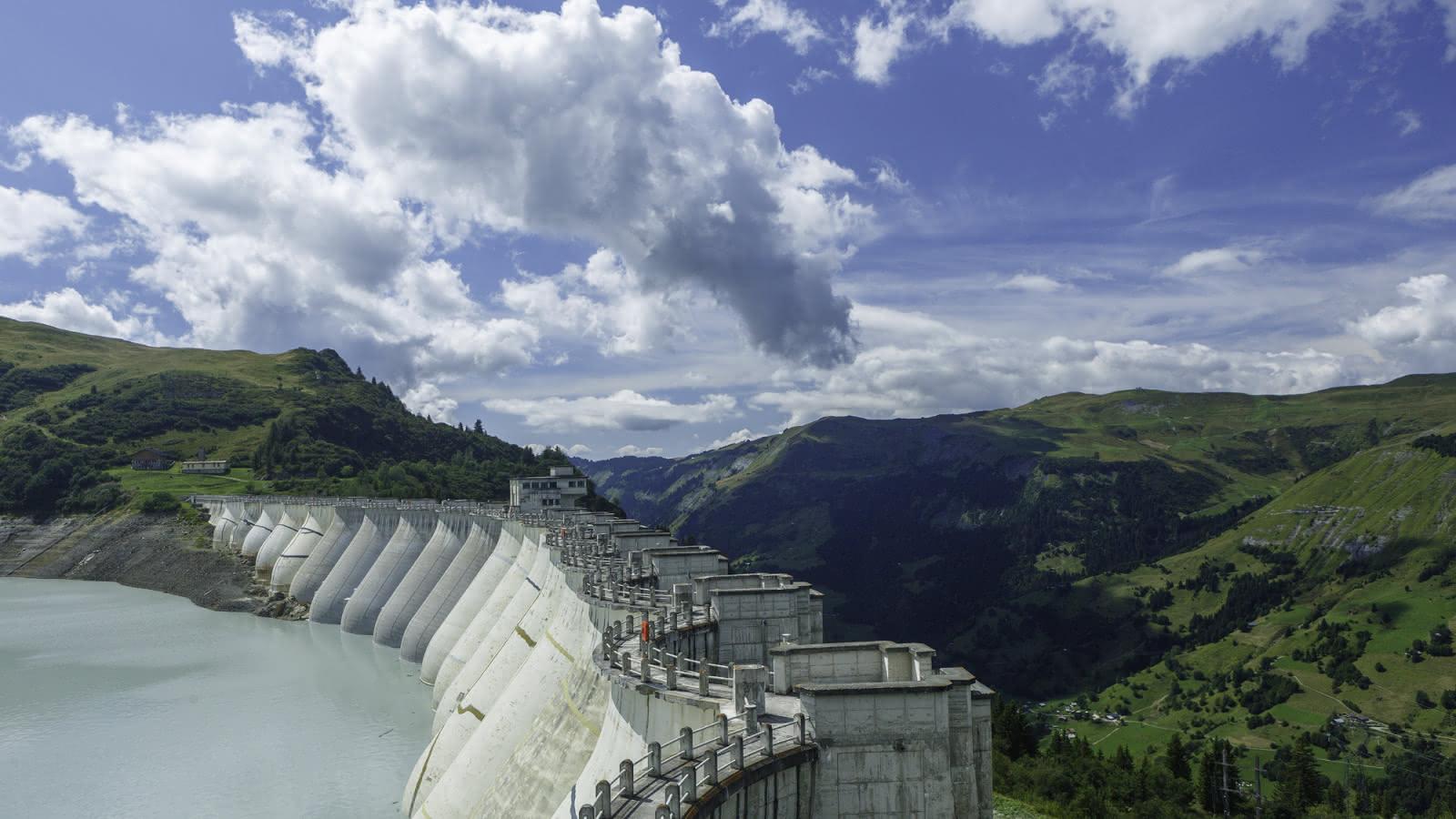Vue de la vallée d'Hauteluc depuis le barrage