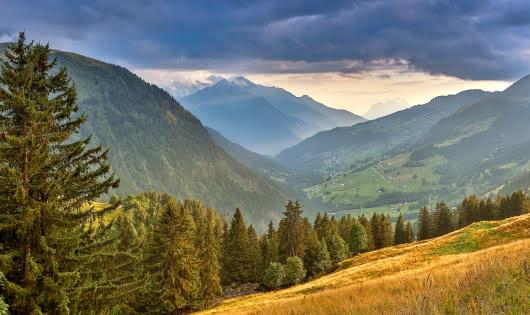 La vallée d'Hauteluce depuis le col du Joly